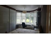 VICTORIAN HOUSE SHARE WITH GARDEN,ALL BILLS INCLUDED,FULLY FURNISH.GOOD LOCATION.