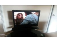 32 in tv with stand