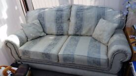 3 seater and 2 seater settee