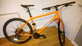 Bicycle Pinnacle Lithium 2 + Fitted Titanium D-Lock + accessories