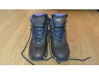 Waterproof Leather Hiking Boot - size:UK6 / Women's Hi-Tec Altitude VI / almost new - worn 5 times