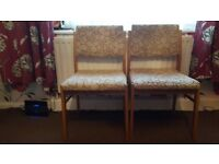 2 dinning chairs
