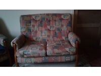 2 seater cottage style settee with 2 matching chairs