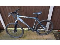 Mongoose pro lightweight mountain bike front suspension disc brakes 20 inch large hardtail cycle