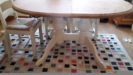 Beautiful dinning table + 6 chairs. Solid wood. Cream and nautural wood.