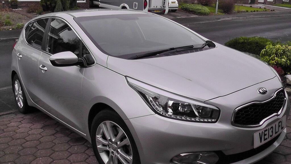 2013 KIA CEED 3. Ecodynamics CRDI Silver 5 door hatch. 1.6 diesel engine Manual gears.