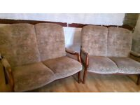 Cintique Two seater settee
