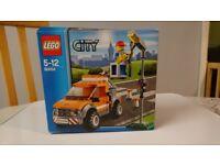 Lego City Light Repair Truck 60054 (Retired Set)