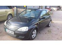 Vauxhall Corsa 1.2 Black Alloys Face lift model 2004 12 Mts MOT