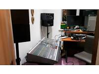 Allen and Heath Gl3300 32 channel anologue desk all works as it should with rack mount power supply
