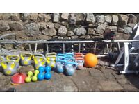 20 X KETTLEBELLS, IN VERY GOOD CONDITION.