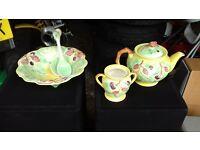 collectable teapot set