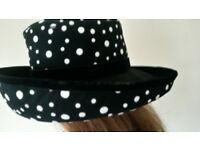 Lovely Vintage KOKIN NEW YORK Wool and Felt Black Polka Dot hat Large New