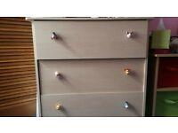 3 drawer chest & 2 drawer bedside cabinet in light wood