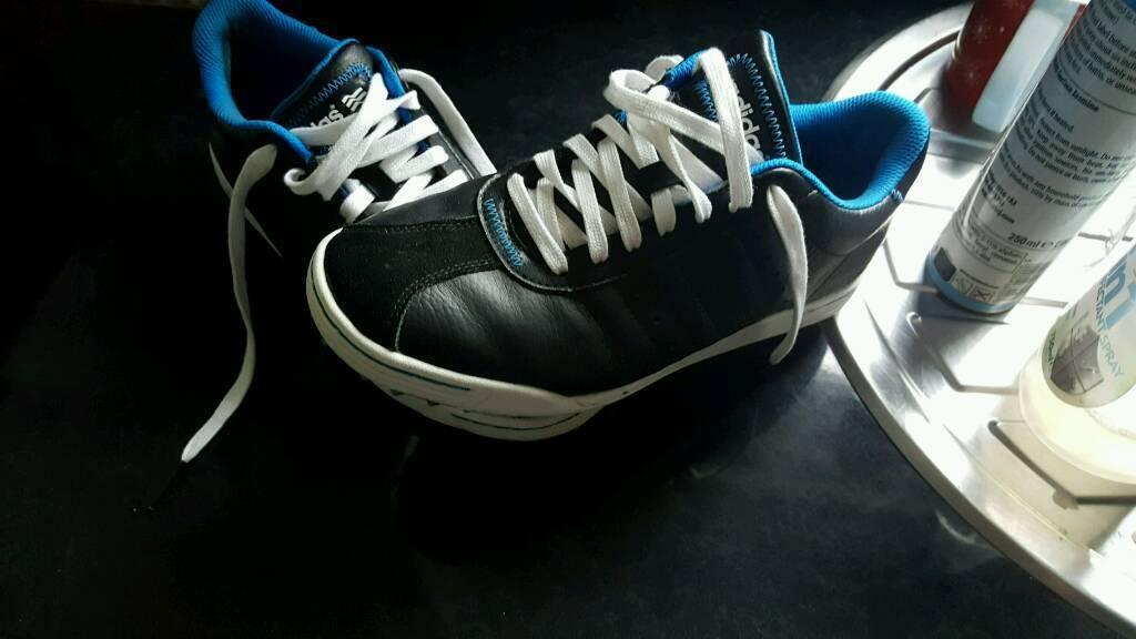 Sz 7 golf shoes