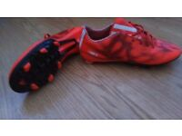 FOOTBALL BOOTS - ADIDAS F10 MESSI BOOTS - SIZE 7.5- ONLY £4