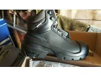 Gents work boots