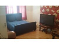 A very large room for rent in Brixton