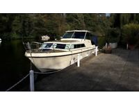 Boat Bates Astral 810