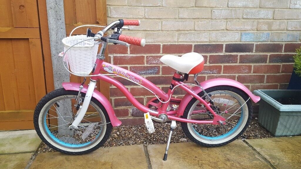 Girls Bicycle 4-6 Years Old - Pink  In Bradwell, Norfolk -1632