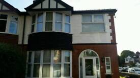 3 Bedroom lsrge semi detached in old trafford to rent