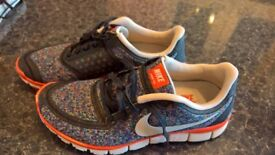 NIKE NERE FREE 5.0 in amazing conditions only £14!!!! Size 40