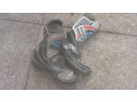Size 3 motorbike boots £8