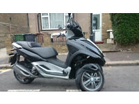 Piaggio MP3 300 LT Tricycle