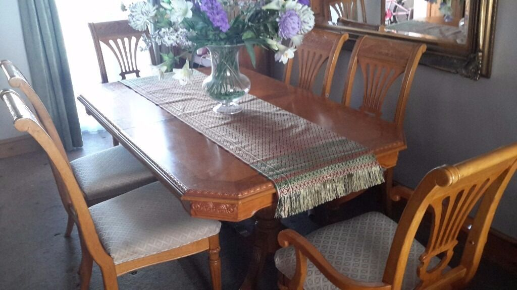 Elegant Dining Table 4 Chairs 2 Carvers