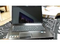 Lenovo G780 Excellent condition. One faulty hinge