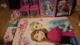 Disney frozen child's storage chair, fleece blankets & pictures
