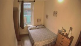 Single and double rooms available in newly decorated flat!!!