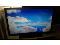 "TOSHIBA 32"" HD LED TV/DVD COMBI (FREEVIEW)"