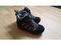 Ladies Karrimor walking shoes. Size 5,5.