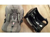 🔵Graco junior baby car seat and base🔵