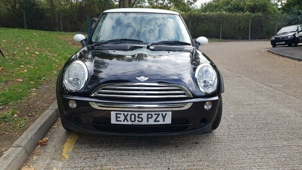 2005 Mini Cooper 16 Petrol Automatic With Low Miles