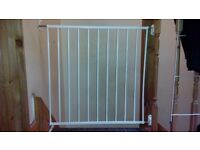 Child safety stairs gate for sale 2 for 1
