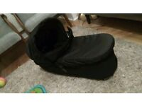 Mountain Buggy Duet carricot and rain cover barely used and in great condition!