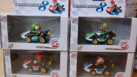 Mariokart 8 and wii pullback racers (set of 4 and 2 boxed)