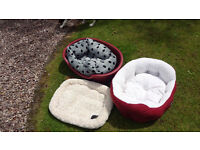 selection of dog beding and dog box, very good condition