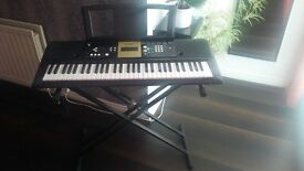Yamaha Electric Keyboard YPT220 with Stand