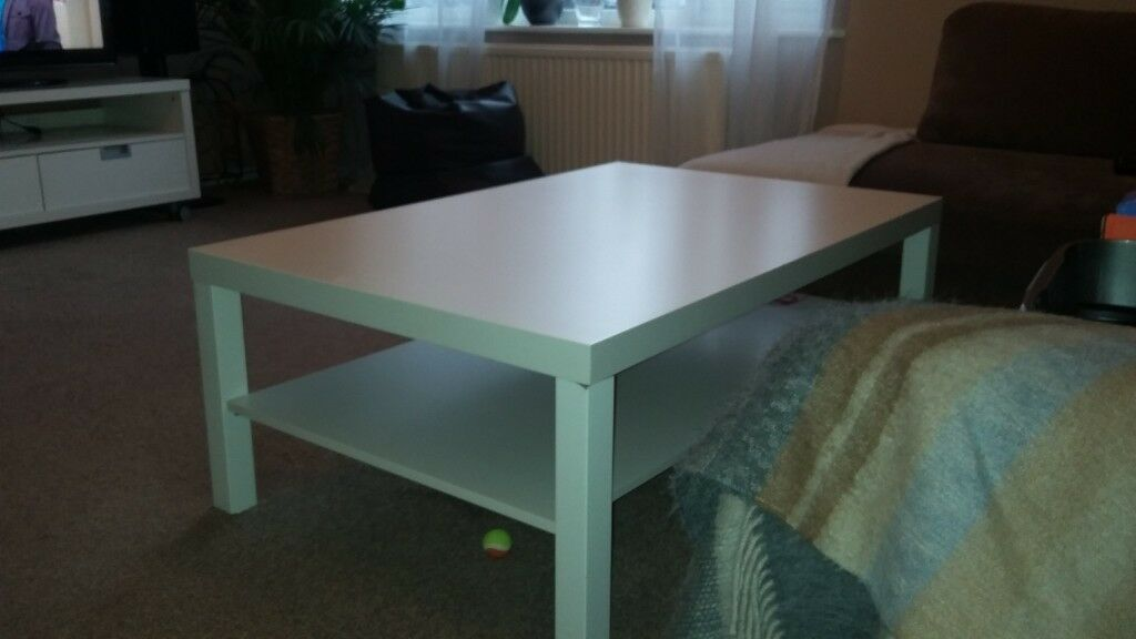 Living Room Table Small Little Scratch On It See Picture Size 118cmx78cm
