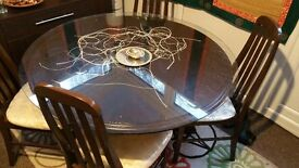 Dining table with 5 chair and top glass only £45