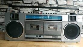 Vintage/retro Sanyo cassette player stereo radio