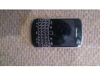 Blackberry bold 9900 unlocked, mint working condition bar a few light scrtaches around the edges!!!!