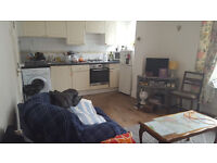 2 bedroom flat in Clifton Triangle