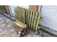 36ft (11M) Picket Fence and Gate
