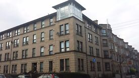 2 bedroom modern flat in West End close to Glasgow University with car parking space