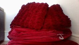 Luxurious Red Velvet Curtains Great Value COLLECTION ONLY !!!!!