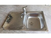 Grohe mixer tap and kitchen sink